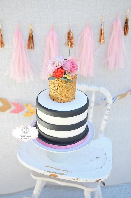 Floral Minnie Mouse Custom Cake. Party by Smash Cake SoCal Event Planners. Photo credit to Tiffany Nicole Photography.