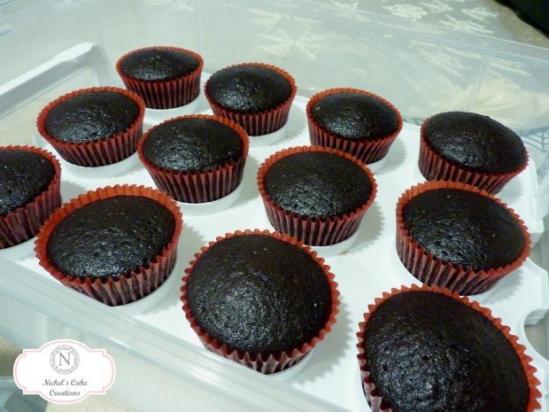choco-cupcakes-prep-w-logo