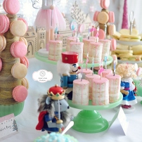 Mini Cakes at the Nutcracker. Hosted by Smash Cake SoCal Event Planners. Photo credit to Tiffany Nicole Photography