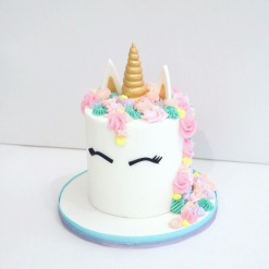 Unicorn Smash Cake